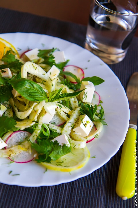 Салат с маринованным фенхелем - фото