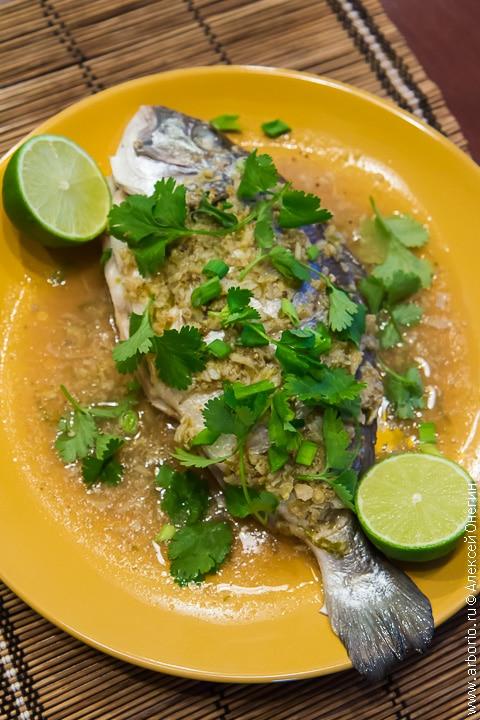Рыба на пару на тайский манер - фото