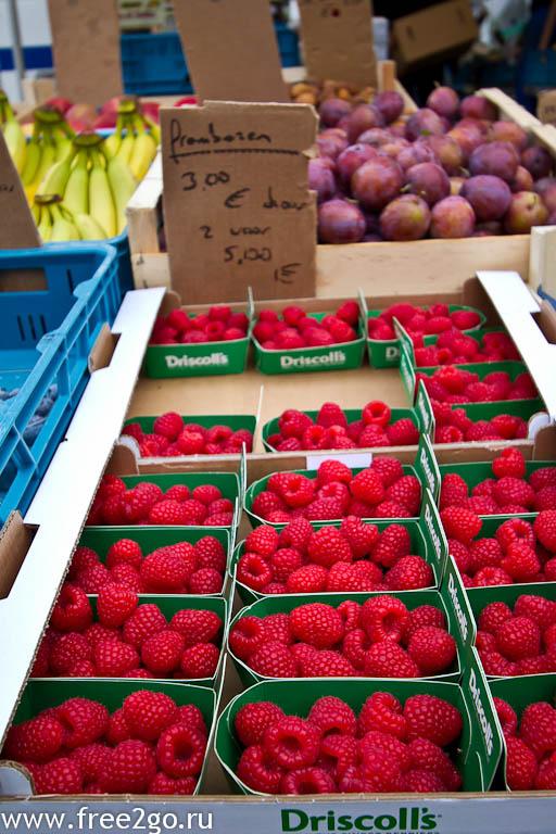 Субботний рынок - Антверпен, Бельгия. фото
