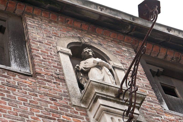 Небесные покровители - Брюгге, Бельгия. фото