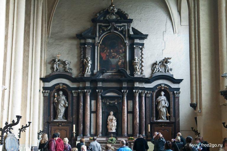 Собор Богоматери - Брюгге, Бельгия. фото