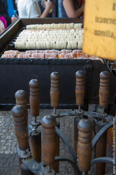 Уличная еда чешской столицы - Прага, Чехия фото