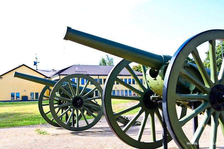Грозные орудия - Лаппеенранта, Финляндия. фото