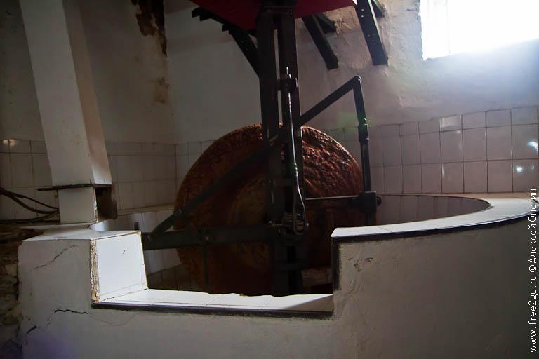 Оливковая мельница Sainte Anne - Грасс, Франция. фото