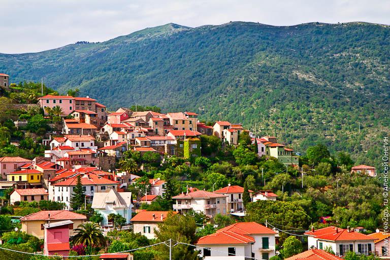 Еще несколько городов, туристических и не очень - Диано-Марина, Диано-Арентино, Диано-Кастелло, Италия. фото