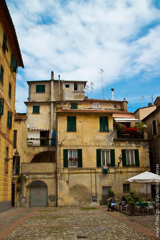 Немного о Лигурии - Альбенга, Италия. фото