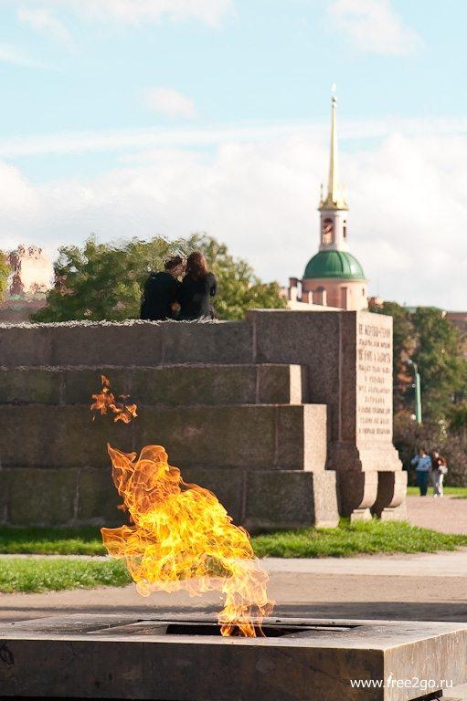 Вечный огонь - Марсово поле, Санкт-Петербург. фото