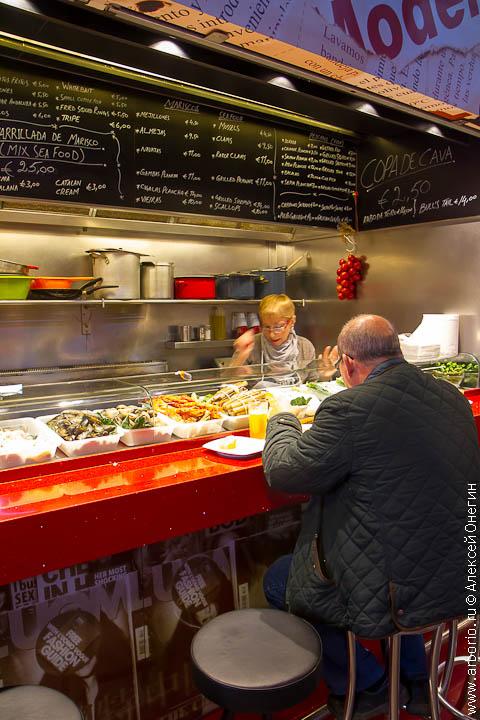 Рынок La Boqueria - Барселона, Испания фото