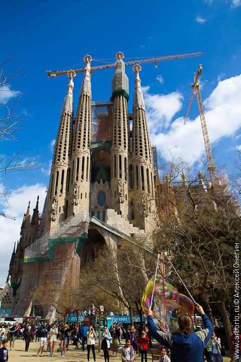 Наследие Гауди - Барселона, Испания фото