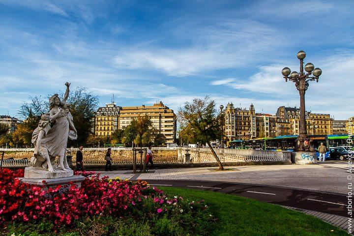 Красивый город с двойным названием фото