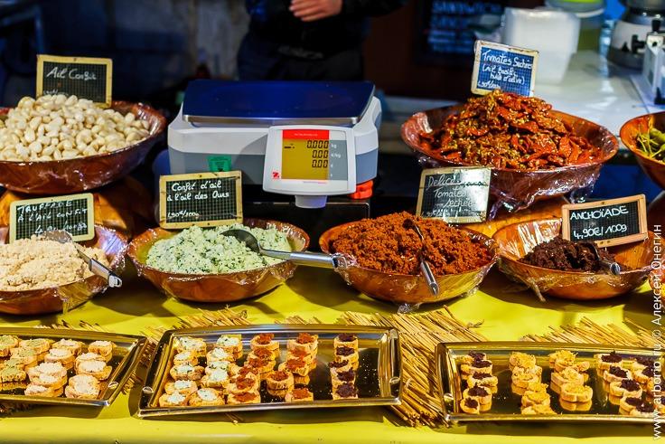уличный рынок в Анси, Франция
