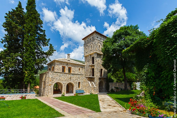 Монастырь Тврдош, Босния