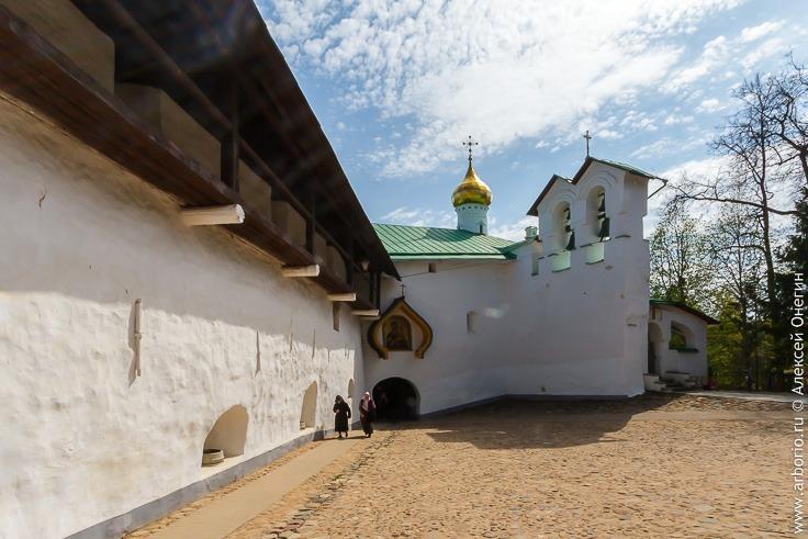 Псково-Печерский Монастырь фото