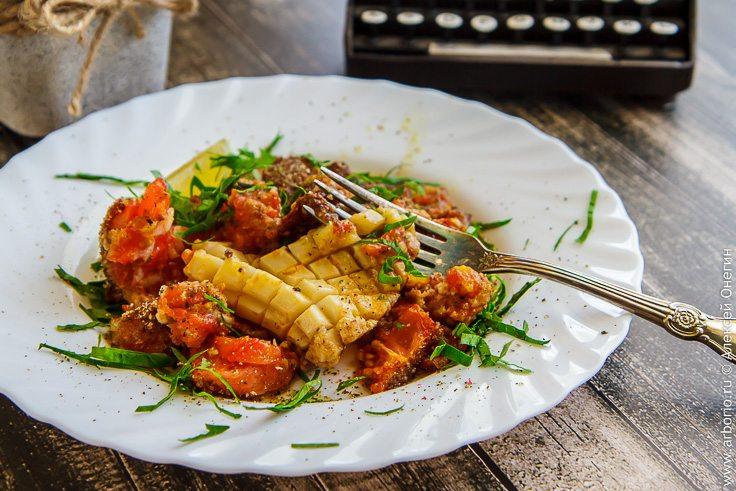 Кальмар, запеченный с помидорами - фото