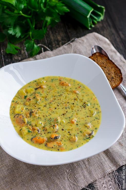 Сливочный суп с мидиями - фото