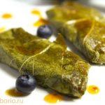 Жареный сулугуни в виноградных листьях