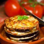 Запеченные баклажаны с сыром моцарелла