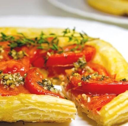 Открытый пирог с помидорами рецепт с фото