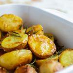 Картошка, запеченная с розмарином