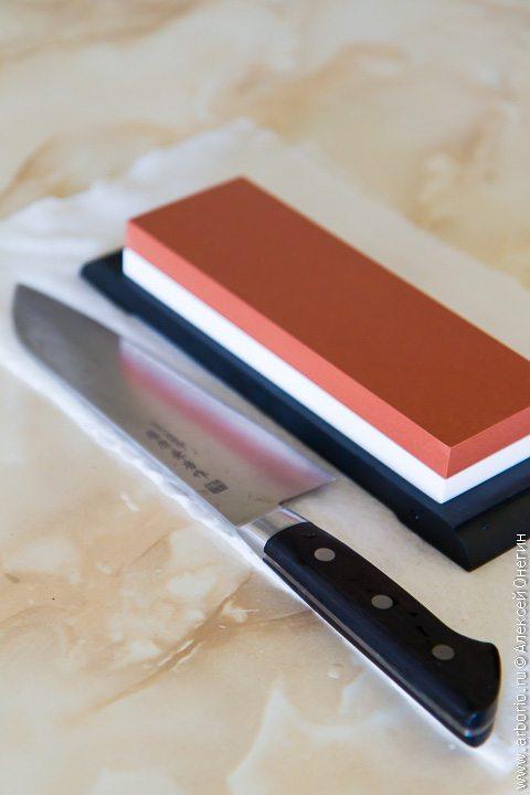 Как заточить нож с помощью водного камня