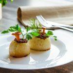 Лисички с луком и сливочным сыром
