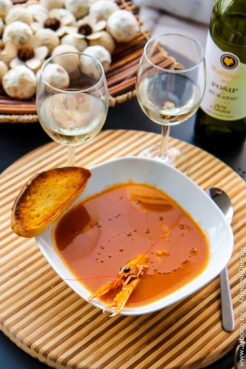Рецепт томатного супа из креветок или лангустинов