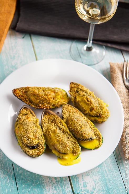 Рецепт запеченных мидий киви гигант с сырным соусом