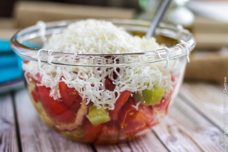 Классический рецепт шопского салата из овощей с брынзой