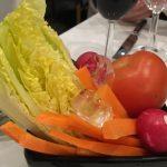 Англичанке принесли салат «сделай-сам»