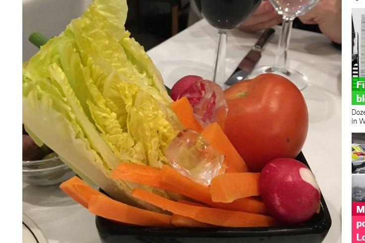 "Англичанке принесли салат ""сделай-сам"" - фото"