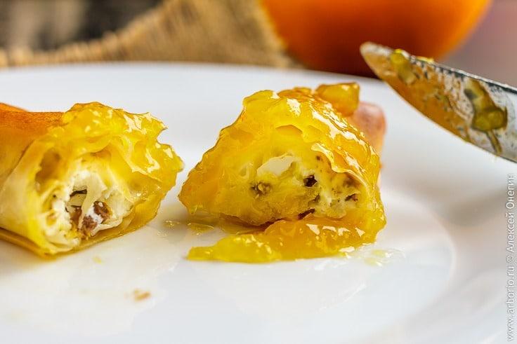 Слоеные пирожки с сыром фета и оливками рецепт