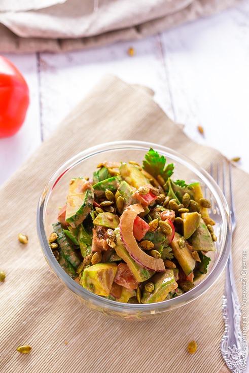 Простой салат с авокадо рецепт с фото