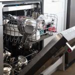 Что можно мыть в посудомоечной машине (и что нельзя)