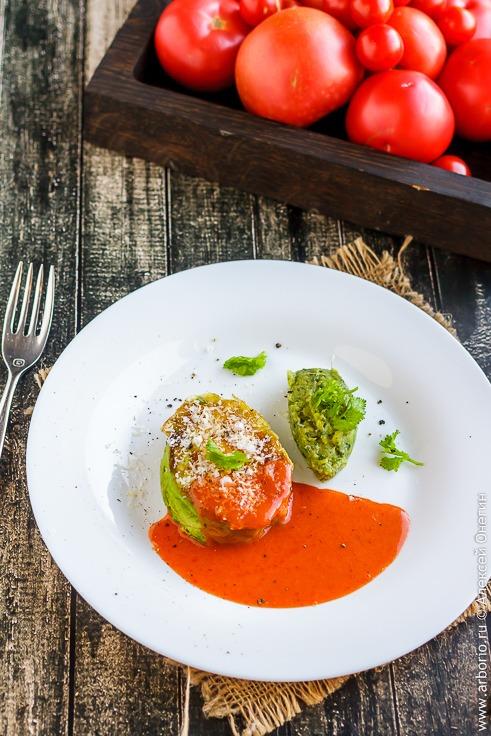 Жареное авокадо с яйцом - фото