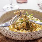 Рапаны с луком и грибами в сливочном соусе