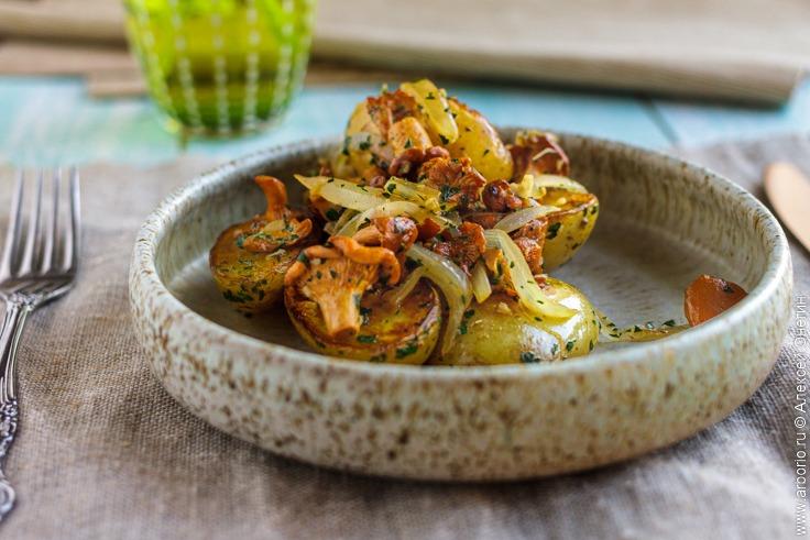 Картошка с лисичками - фото