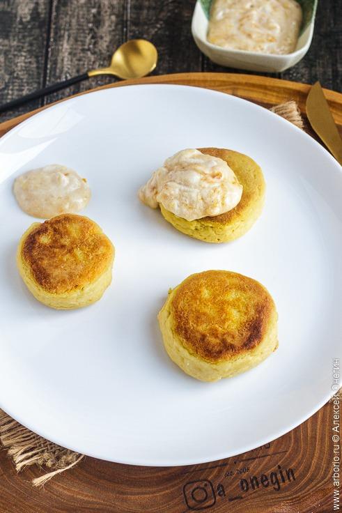 Постные сырники из тофу - фото