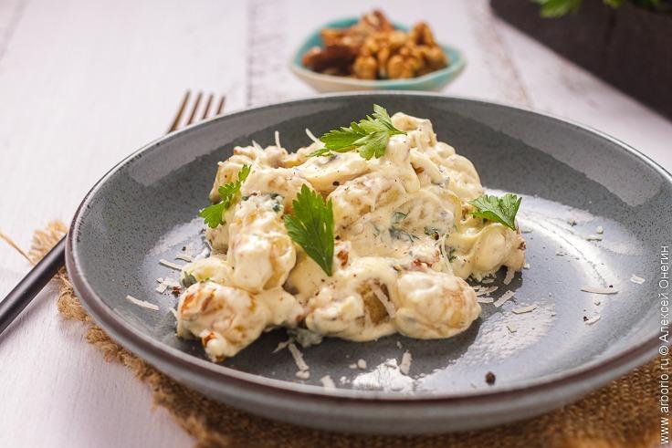 Ньокки с соусом из голубого сыра - фото