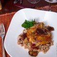 Утка с белыми грибами, гречкой и соусом из портвейна