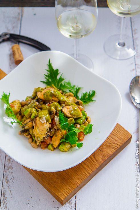 Салат из мидий с фасолью